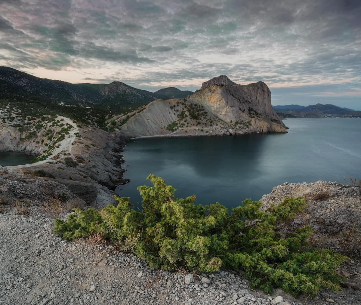 Photo tours of the Crimea - sunset landscape - Falcon mountain view